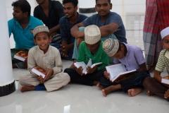 TDV, Sri Lanka'da 5 bin Kur'an-ı Kerim dağıttı