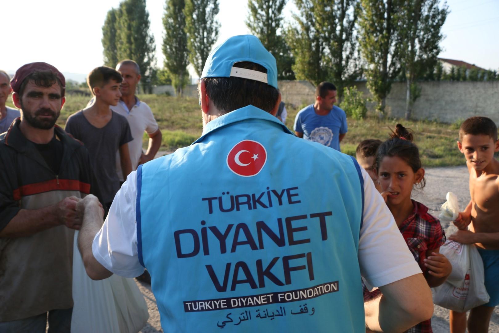 Türkiye Diyanet Vakfından Arnavutluk'ta kurban yardımı ...