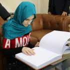 TDV'den Kuzey Makedonyalı görme engelli gence Braille alfabeli hediye Kur'an-ı Kerim