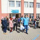 İzmir ve Sakarya'dan Bingöl'ün köy okullarına uzanan gönül bağı kurdular