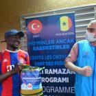 Türk hayırseverler, Senegal'deki Afrikalı üniversite öğrencilerine yardımda bulundu