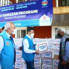 Azerbaycan'da ihtiyaç sahibi ailelere gıda yardımı