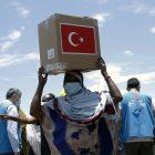 Etiyopya'da ihtiyaç sahiplerine gıda paketi ve bayramlık giysi yardımı