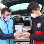 Sakarya'da yabancı öğrenciler gönüllülerin ve yardımseverlerin katkılarıyla hazırlanan yemeklerle or...