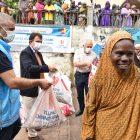 Türkiye Diyanet Vakfı Kamerun'da binlerce aileye kurban yardımı yaptı